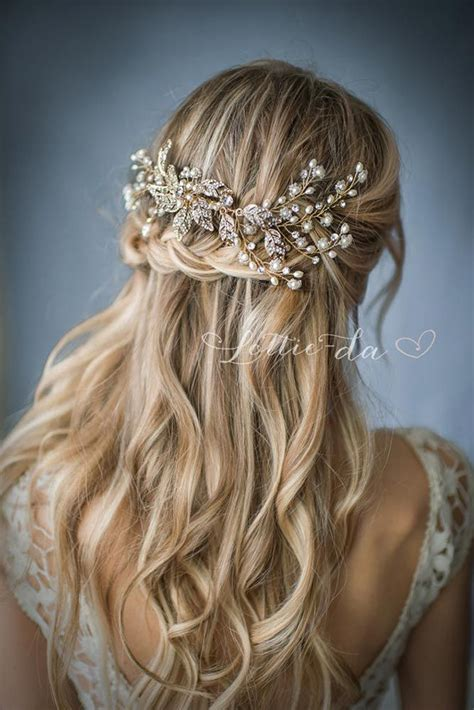 Bridesmaid Hairstyles For Curly Hair by 25 Best Ideas About Junior Bridesmaid Hairstyles On