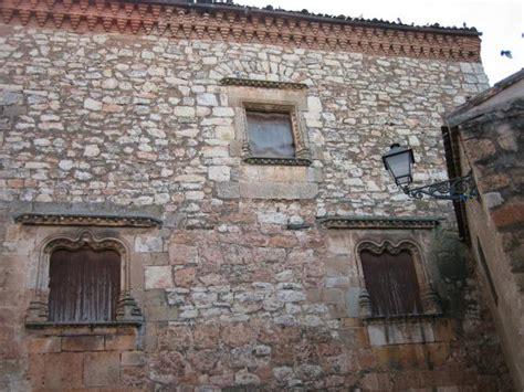 imagenes ventanas goticas casa con ventanas g 243 ticas ayllon segovia