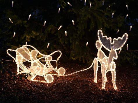 Weihnachtsdeko Garten Beleuchtet by Die Besten 25 Rentierschlitten Ideen Auf