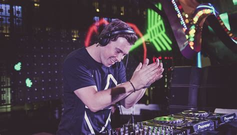 movies in motion dj hardwell vid hardwell announces summer 2016 residency at ushua 239 a ibiza