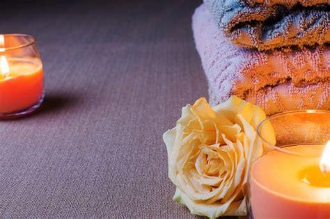 foto candele accese asciugamani e candele accese scaricare foto gratis