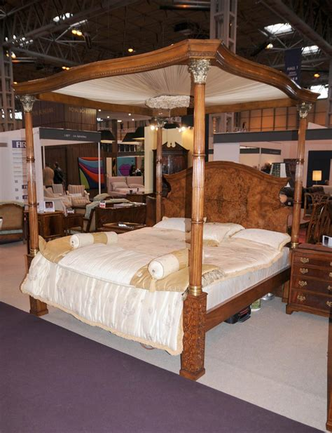 four poster queen bedroom set regency walnut queen size four poster bed bedroom