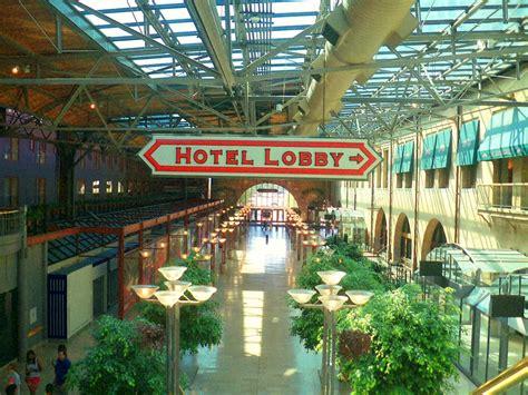 boarding st louis getaway to the gateway st louis missouri travelroads
