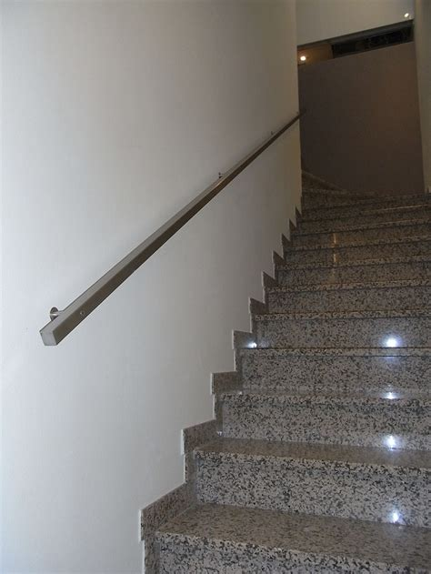 altezza corrimano scale corrimano quadrato in acciaio inox satinato fferrarini rsm
