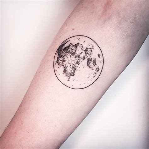 45 hypnotic patterns of moon tattoos