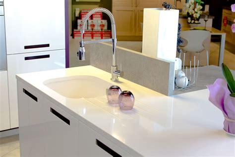 plan travail cuisine quartz cuisine plan de travail marbre et decoration