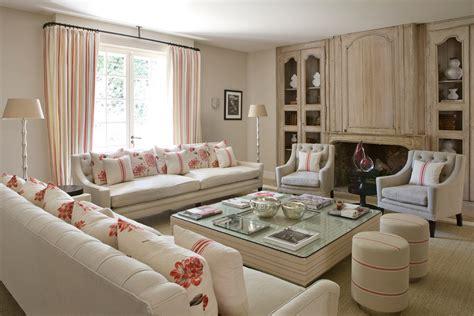 una villa  francia arredata  perfetto stile british