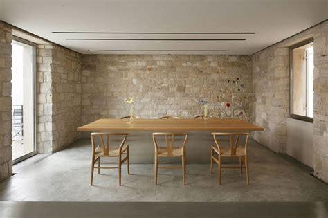 pavimento in battuto di cemento ristrutturazione di una casa antica fronte mare