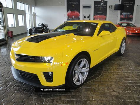 yellow camaro zl1 2013 rally yellow supercharged camaro zl1 automatic carbon