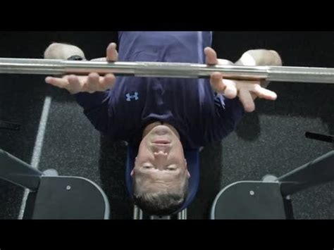 close grip bench press for inner chest how to hold the close grip bench press to work your inner
