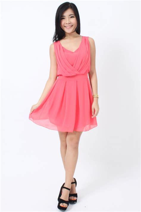 Crossyn Dress pleated criss cross dress the label junkie