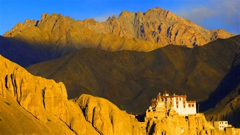 top  hill stations  india  visit  june