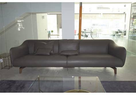 esposizione divani in esposizione drive giorgetti divano milia shop