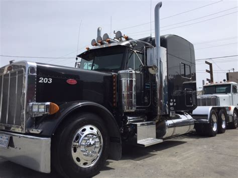 Peterbilt Studio Sleeper by 2003 Peterbilt 379 American Class Studio Sleeper Truck