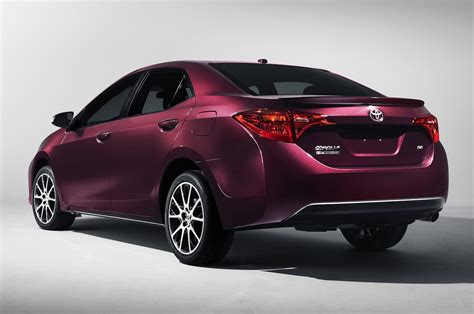 what car toyota 2017 toyota corolla first look review motor trend