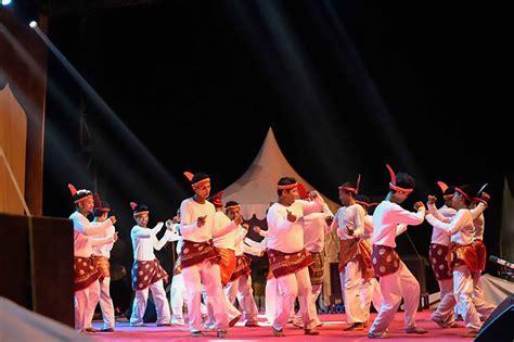 Sk Ii Di Aceh tari seudati tarian tradisional aceh kamera budaya