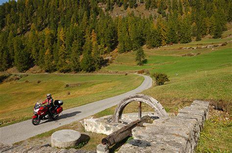 Motorradtouren Wallis by Motorradurlaub Zentralschweiz Wallis Kurvenk 246 Nig