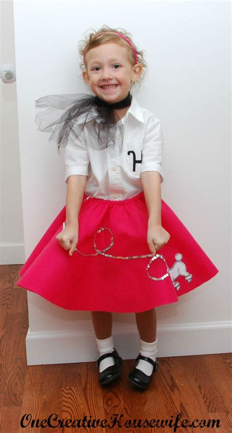 diy sock hop skirt 50s day poodle skirt tutorial felt like a tutorial costumes poodle skirts and