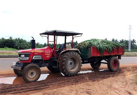 mahindra di file mahindra arjun 605 di tractor with trailer jpg