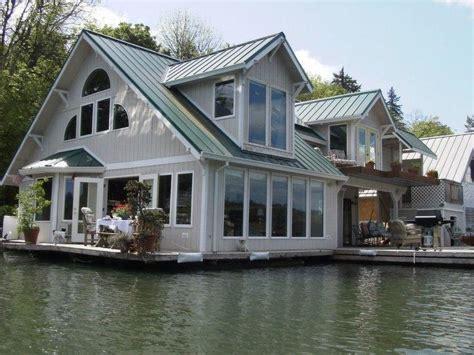 floating cottage vacation rental in portland floating