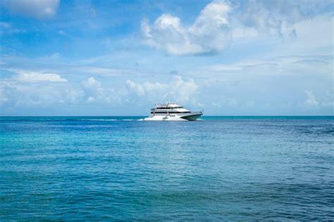 catamaran hire moreton island tangalooma boat transfer vessels moreton island ferry qld