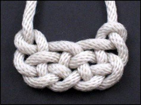 Ornamental Knotting And Weaving Of Thread - 95 best images about paracord microcord and macrame
