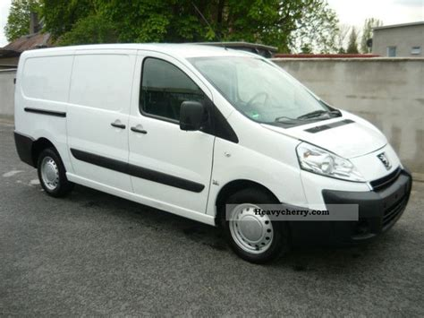 peugeot expert 2010 peugeot expert 2010 box type delivery photo and