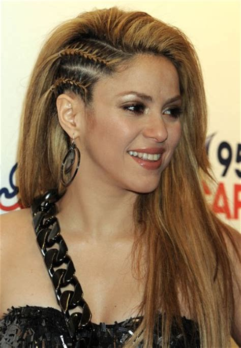 shakira s hair is amazing hair pinterest shakira s hair i m a hairstylist pinterest side