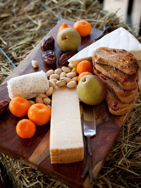 How To Decorate Cheese Platter by How To Make A Cheese Tray Appetizer Diy