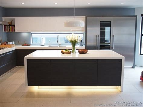 contemporary island kitchen best 25 contemporary kitchens ideas on