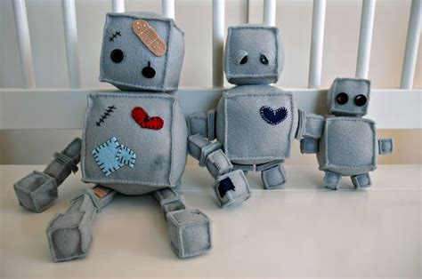 felt robot pattern felt crafted robot family i ll have time to make these