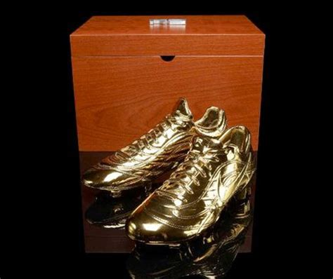 Mercurial Shelf by Nike Honour Ronaldo With Solid Gold Mercurials