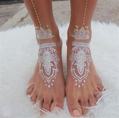 white henna tattoo tutorial 30 stunning white henna inspired tattoos that look like