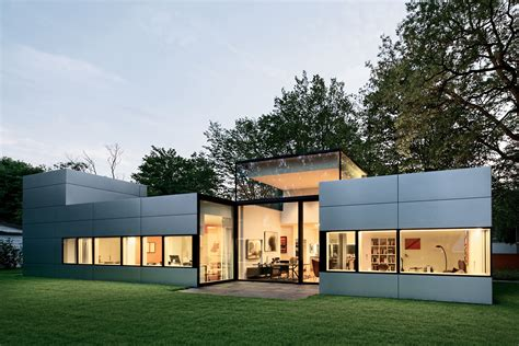 bungalow architektur bungalow im gr 252 nen moderne einfamilienh 228 user