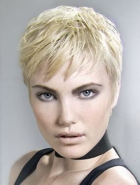 pictures of low maintenance hairstyles for women in their 40 low maintenance hairstyle for short curly hair short