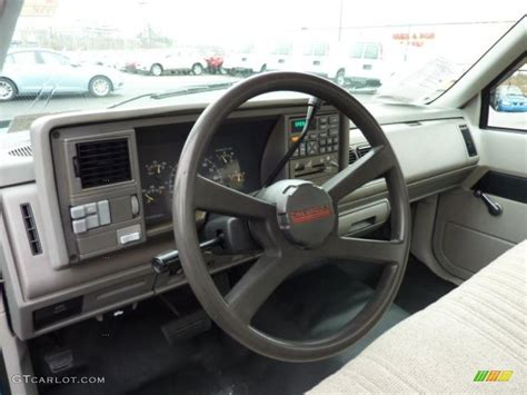 beige interior 1994 chevrolet c k c1500 regular cab photo