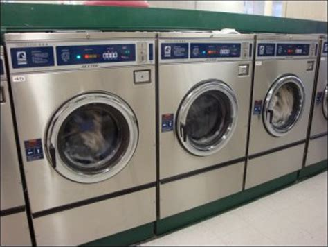 using laundry mat washer tips on laundromat use and doing laundry by truck drivers