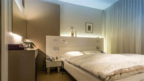 Rückwand Bett Gestalten by Schlafzimmer Mit Arbeitszimmer Kombinieren Speyeder Net