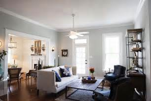 magnolia homes paint colors magnolia homes master bedroom newhairstylesformen2014 com
