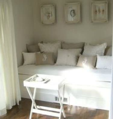 small bedroom with daybed small bedroom decorating ideas for home staging