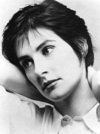 Download Enya MP3 Songs and Albums   music downloads