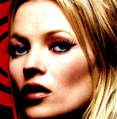 Kate Moss Mascara Ads Banned After Complaints Lashes Were False by Kate Moss Mascara Ads Banned In U K