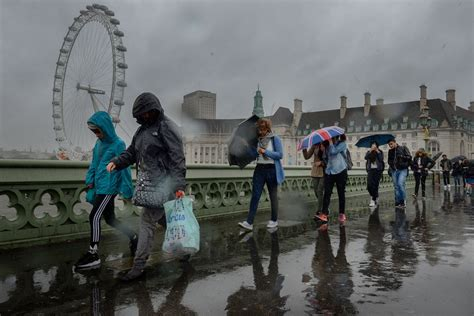 London weather: Commuters to be battered with torrential ...