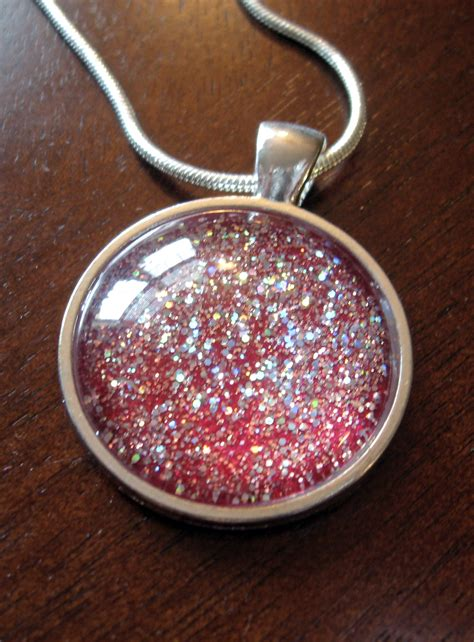 how to make pendant jewelry diy glitter pendant make something mondays