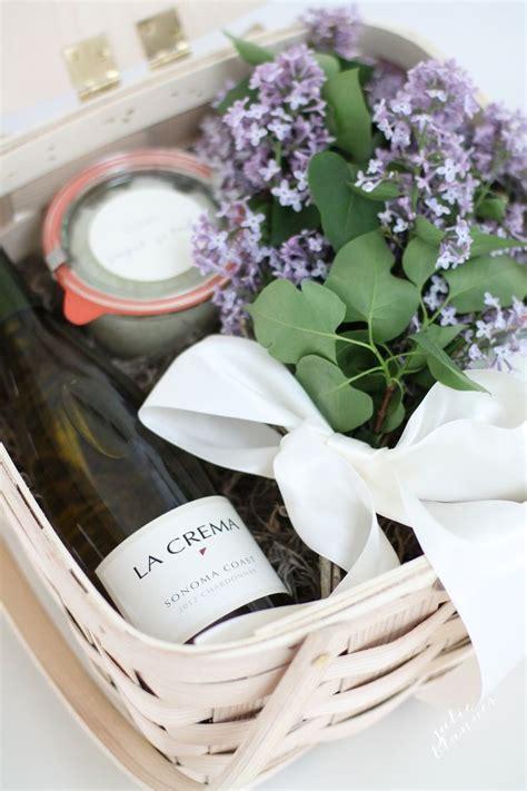 gift basket idea 25 best ideas about hostess gifts on basket