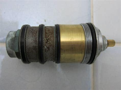 probleme robinet thermostatique comment changer cartouche mitigeur thermostatique grohe