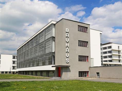 Mediterranean House Designs by Bauhaus Dessau Campus Bauhaus Architecture