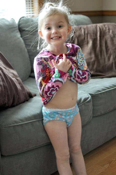 potty training girls open legs potty training tips for girls how to potty train a girl