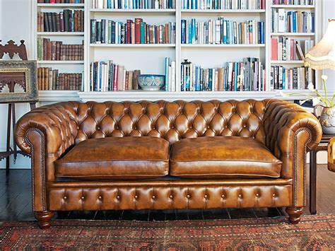 Chesterfield Sofa Blanc Noir Maybe A Chesterfield