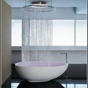 duschen in der badewanne duschen in badewanne unter schr 228 ge badewanne hause